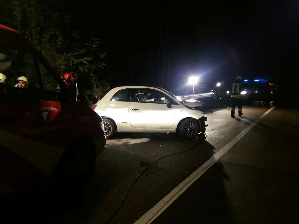Unfall Nacht Pkw