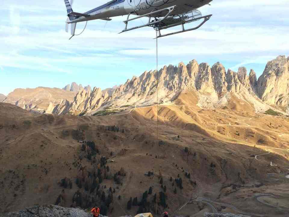 Hubschrauber Straße Gröden
