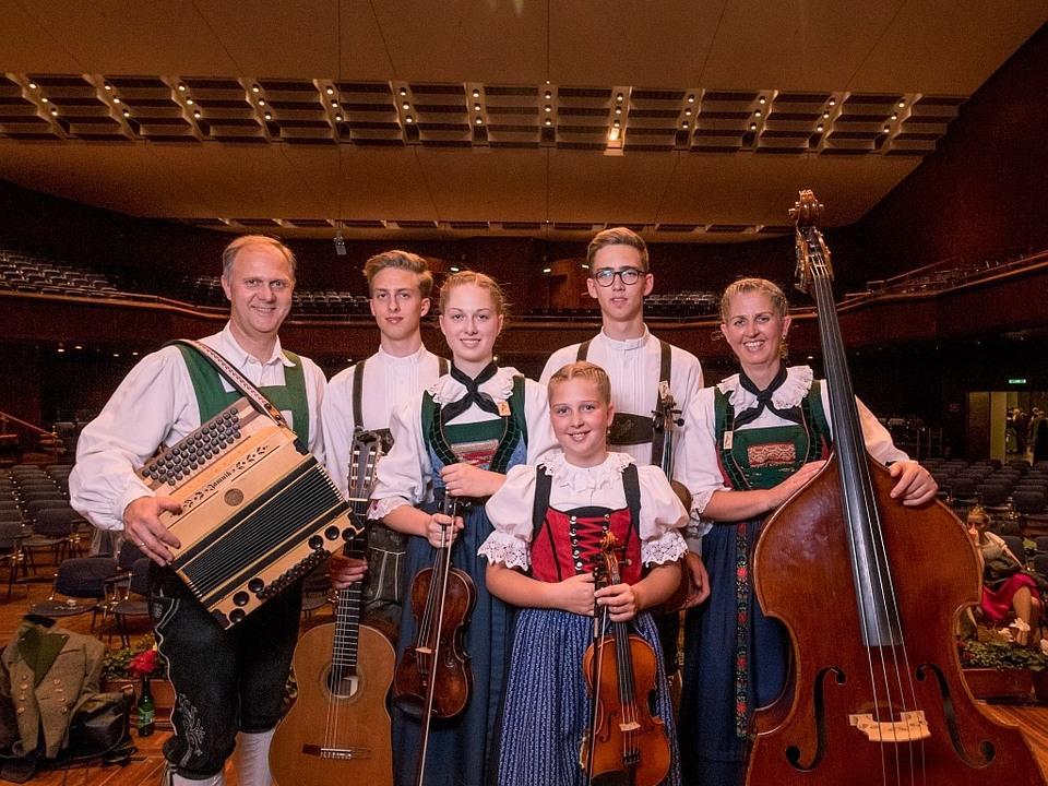 Volksmusik_Familie_Huber