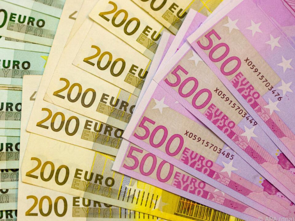 geld 10.000 Euro Bargeld wurden verloren und wieder gefunden