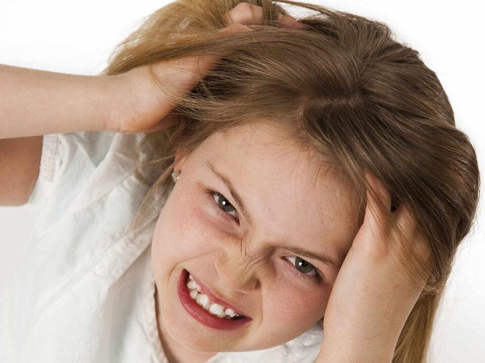Kopfläuse Kind Krise Kopfweh