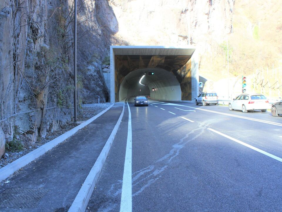 sarntal tunnel neu straße