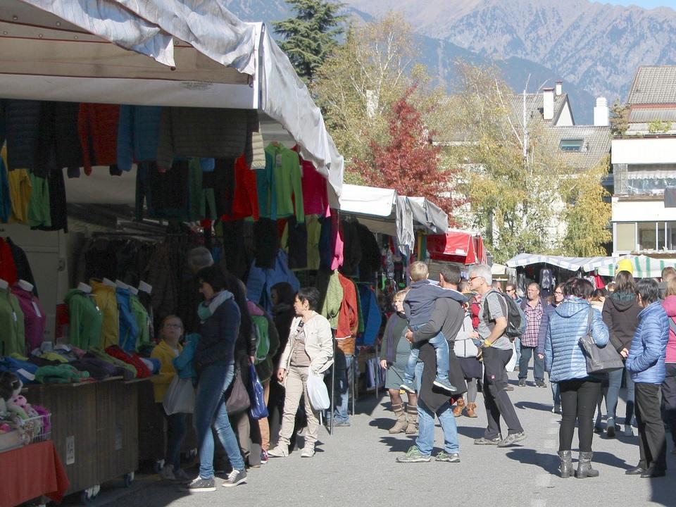 Markt Parkplatz Hofmann Lana-resized