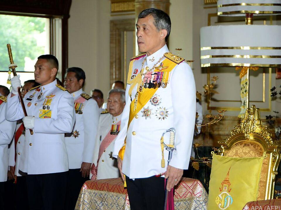 Vajiralongkorn wollte zuerst mit dem Volk trauern
