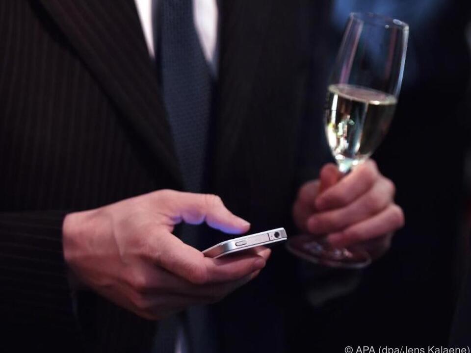 Vier von zehn verschicken Nachrichten per SMS oder über Messenger
