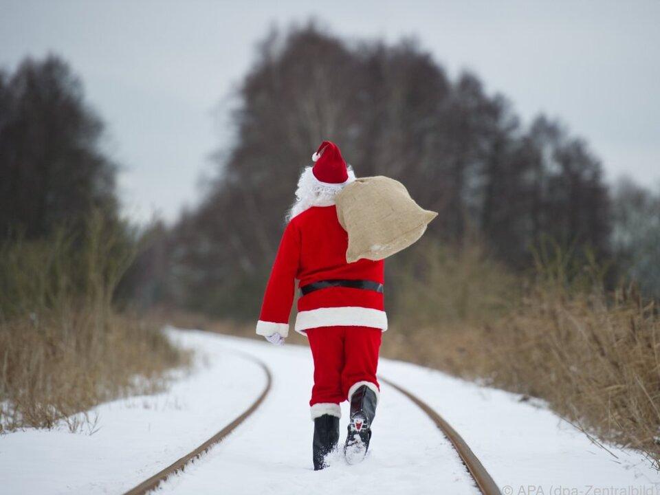 Weiße Weihnachten sind in tiefen Lagen selten geworden weihnachtsmann nikolaus