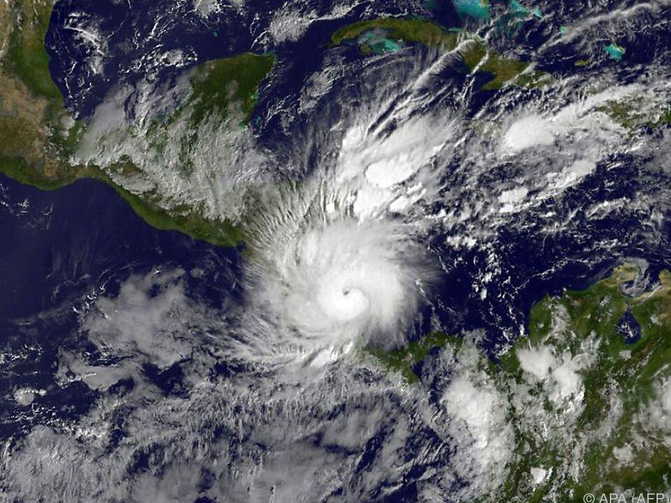 Weltweite Erwärmung führt zu mehr Hurrikans