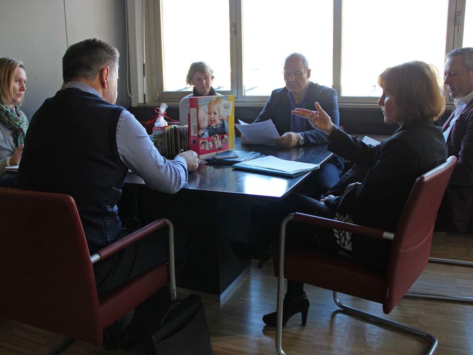 Familienlandesrätin Deeg/Präsidenten der Bezirksgemeinschaften