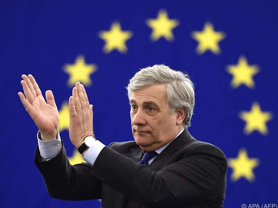 Antonio Tajani setzte sich gegen Gianni Pittella durch