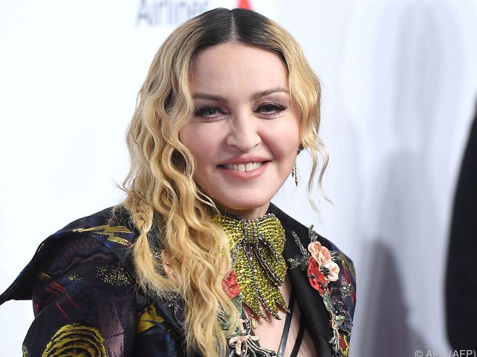 Madonna weist Kritik an jüngeren Liebhabern zurück