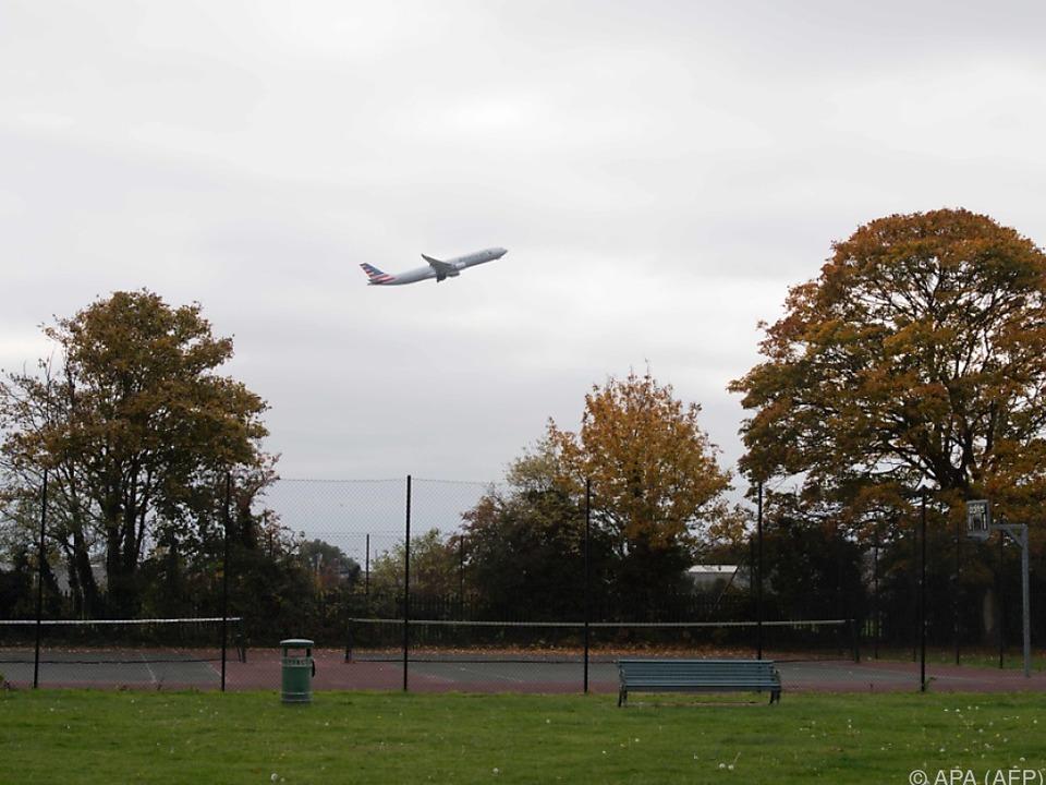 Mehr und mehr Flugzeuge heben in London-Heathrow ab