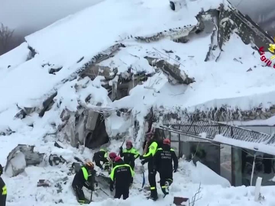 Mehrere Überlebende des Lawinenunglücks in Italien gerettet