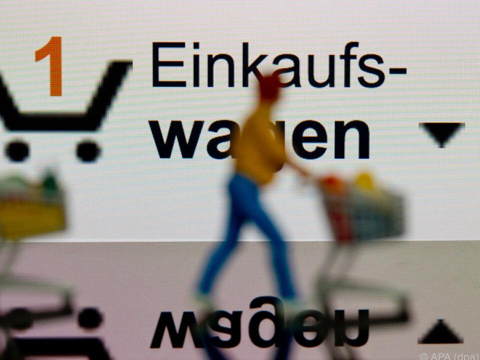 Vor dem Kauf informieren sich User im Internet
