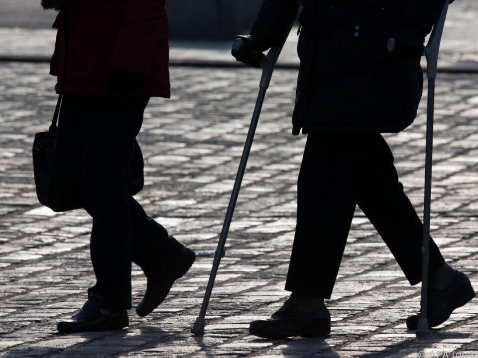 Die Kluft zwischen Männern und Frauen wird voraussichtlich schrumpfen senioren alt rente