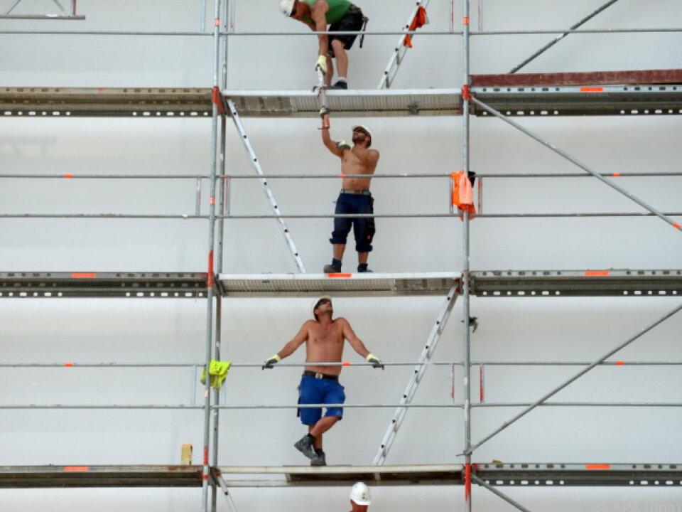 Eurozone hat einen Gang hochgeschaltet  arbeit baustelle