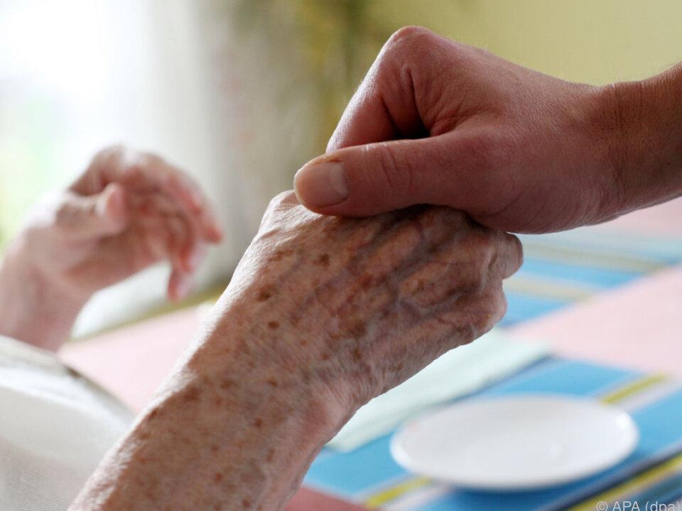 Im Jänner waren 456.103 Personen pflegebedürftig
