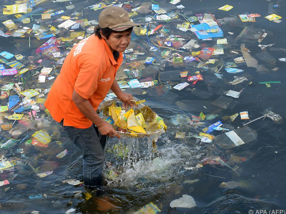 Millionen Tonnen Plastik treiben in den Weltmeeren