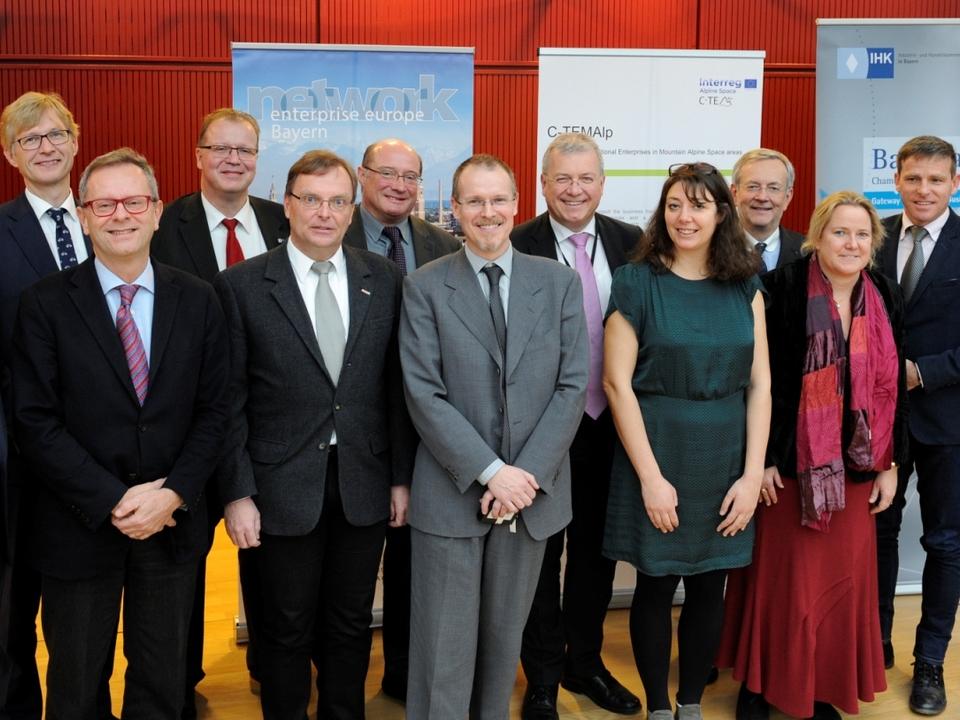 ProjektpartnerInnen und InteressenvertreterInnen beim Treffen in Brüssel (c) Philippe Veldeman
