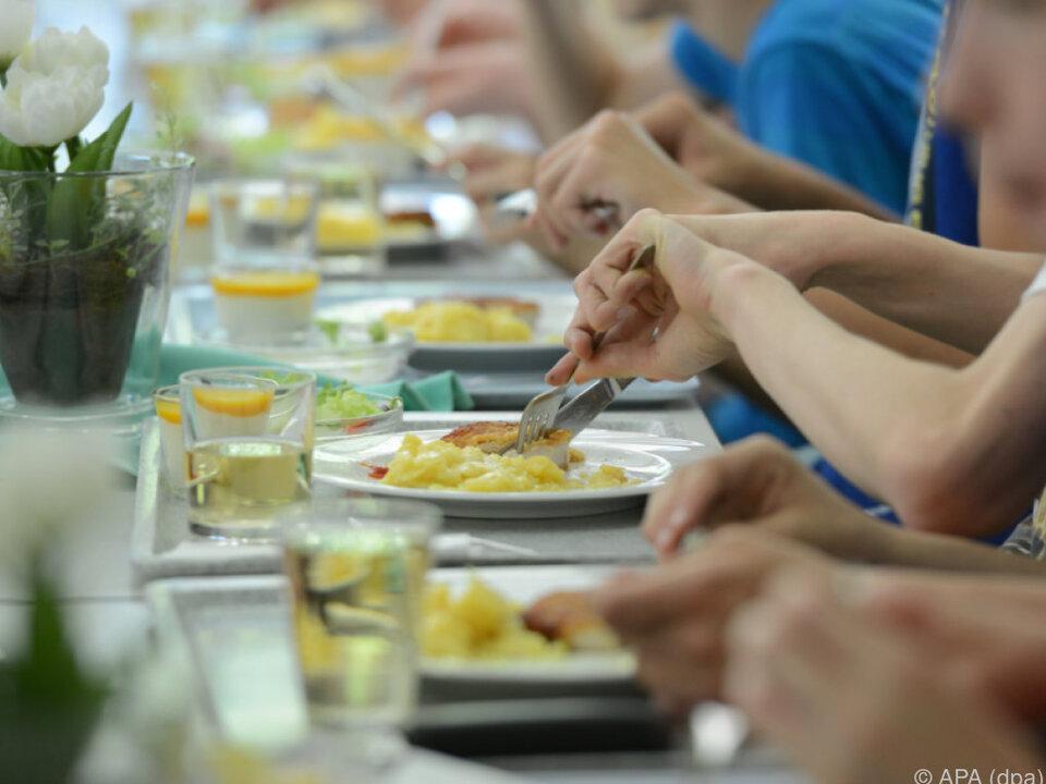 Schulkantinen sollen gesünderes Essen anbieten