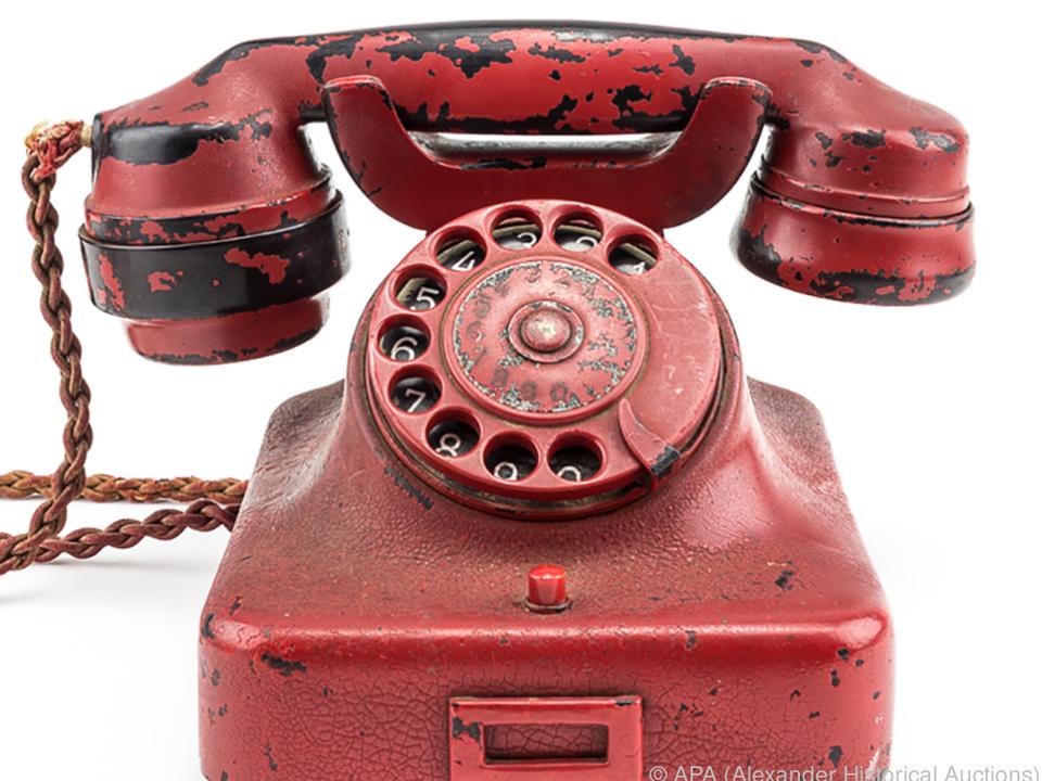 Über dieses Telefon erteilte Hitler seine Befehle