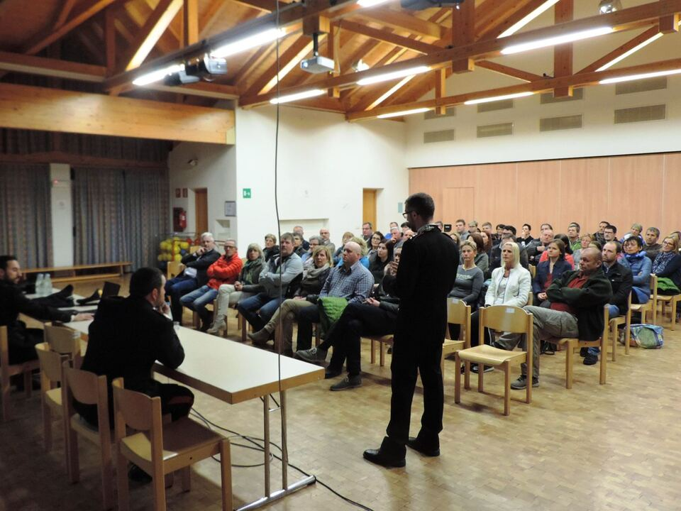Bürgerversammlung Carabinieri