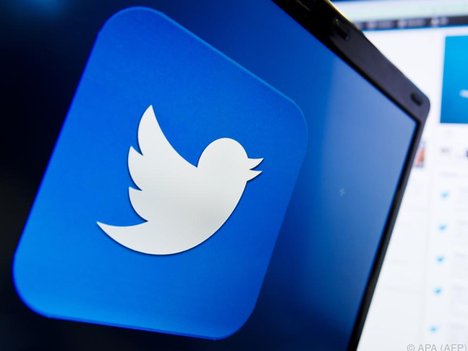 Bisher verließ sich Twitter vor allem auf Beschwerden der Nutzer