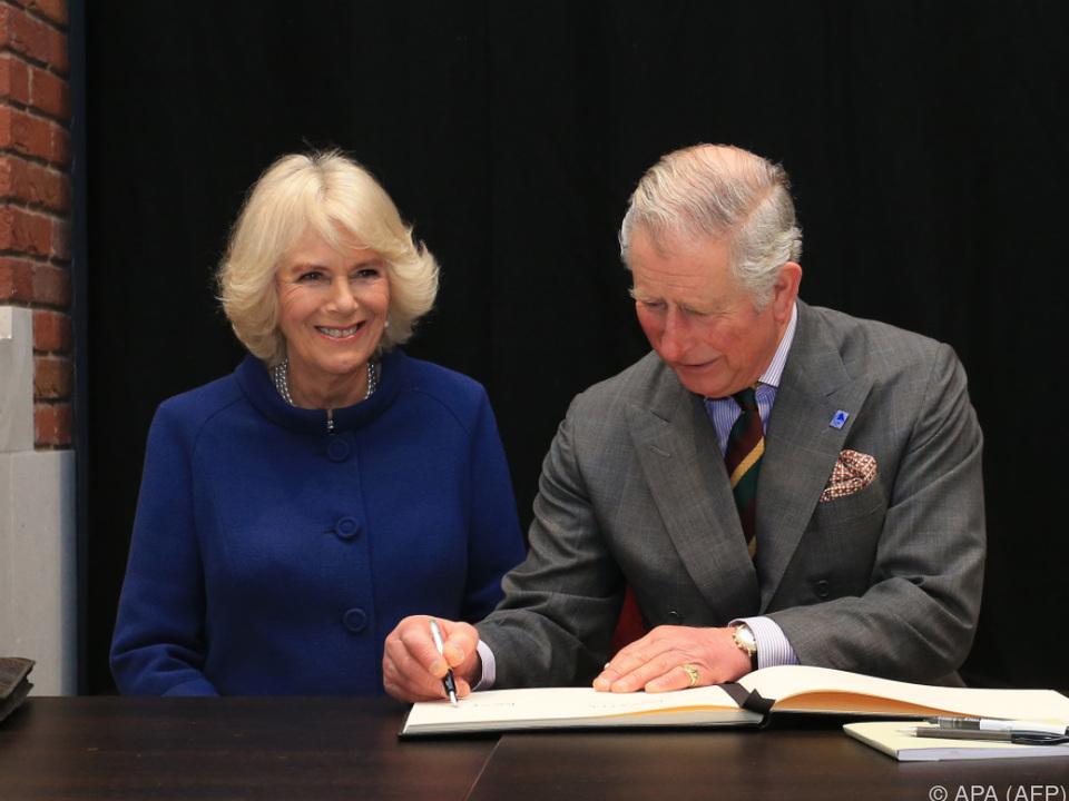 Charles und Camilla bereisen vier Länder