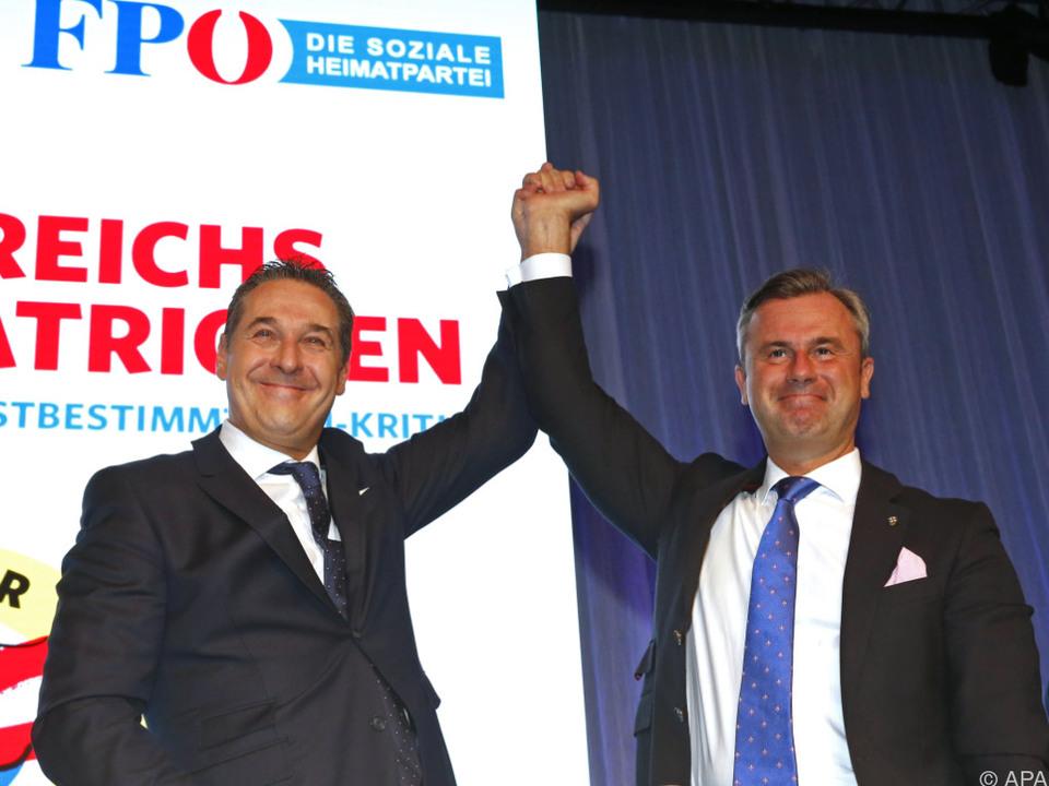 Die FPÖ-Granden präsentieren sich geschlossen