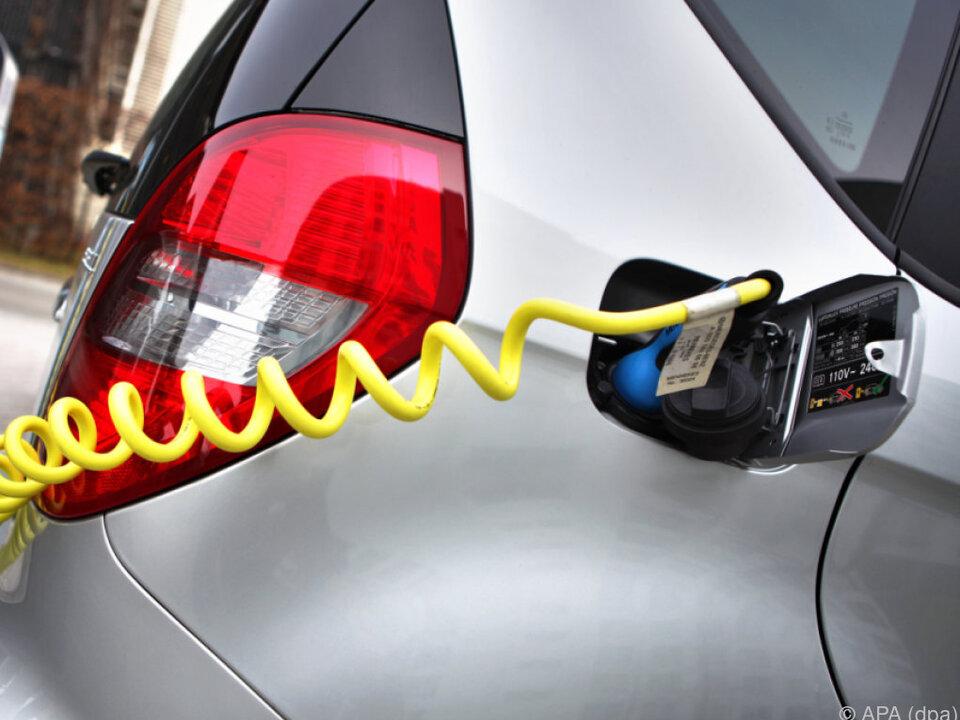 Die Zahl oder Elektroautos wächst langsam