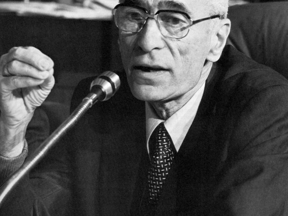 Dr Silvius Magnago