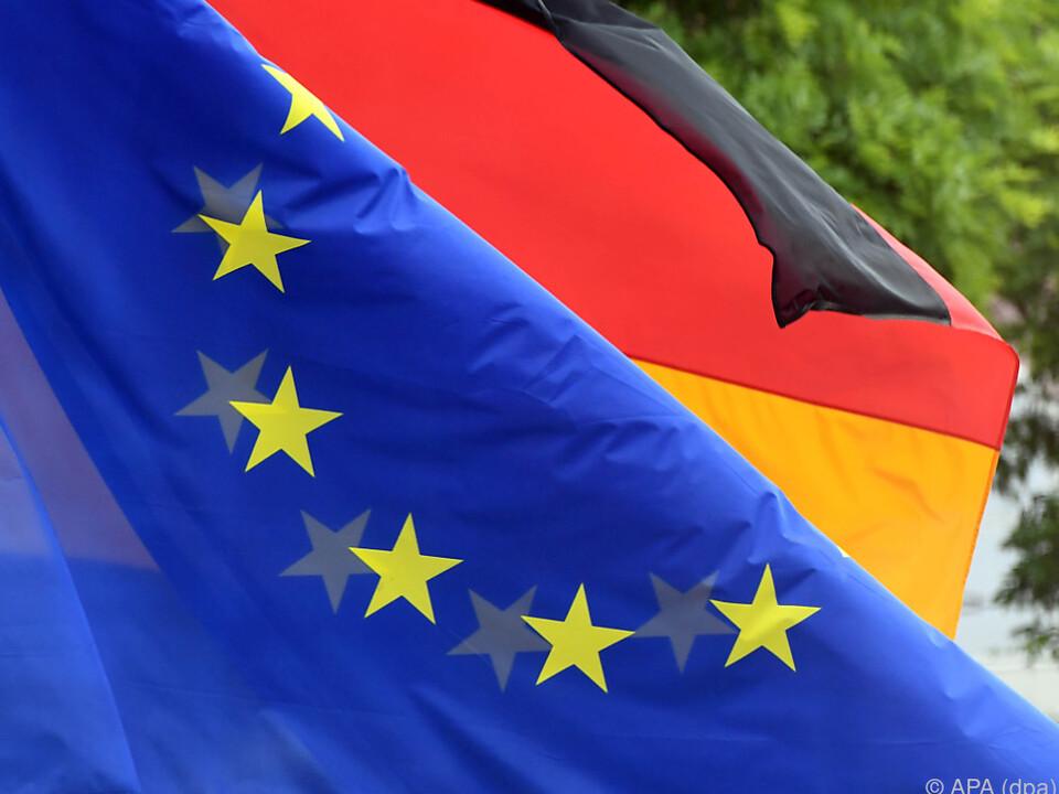 Ein Fünftel will EU auf wenige Kernkompetenzen zurückführen