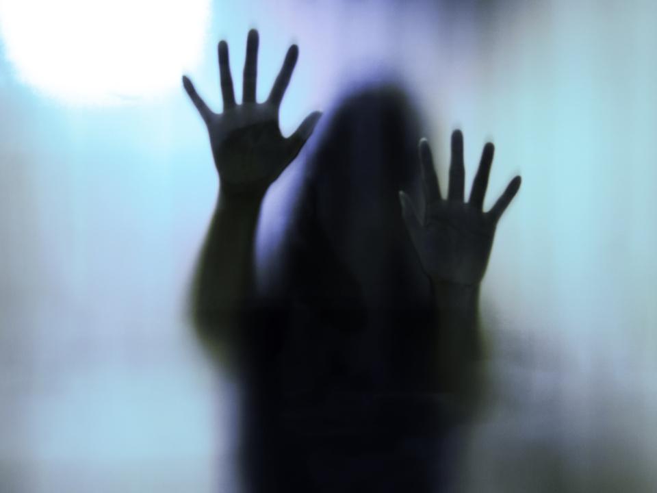 vergewaltigt gewalt sex missbrauch frau depression