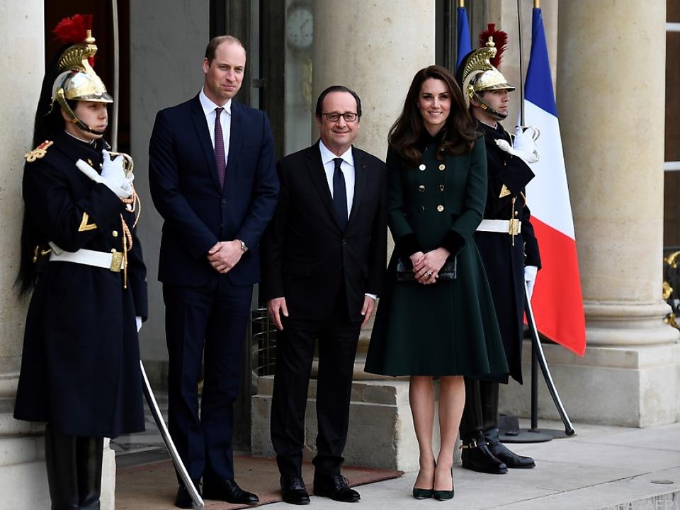 Frankreichs Präsident Hollande empfing die Royals