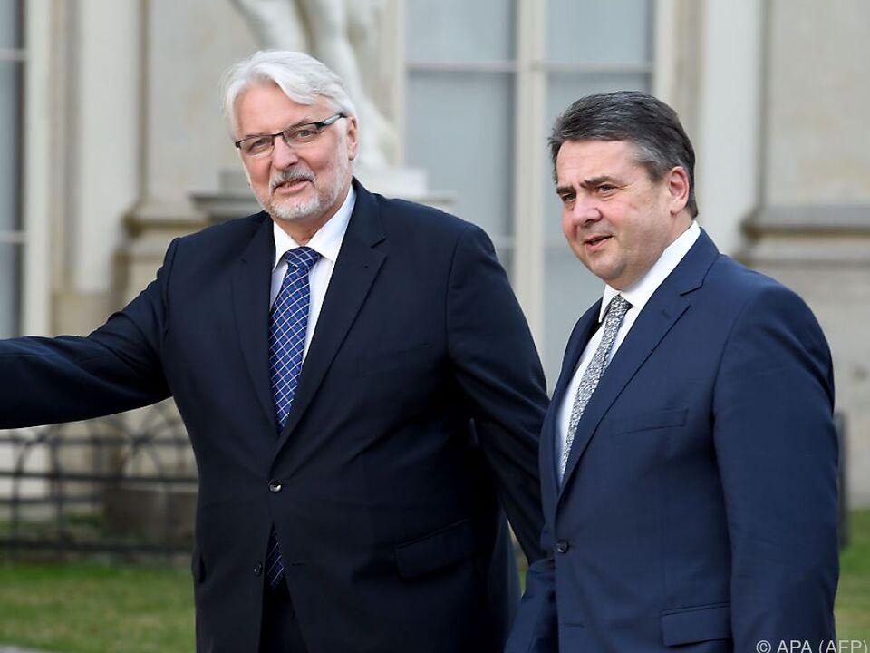 Gabriel und der polnische Außenminister Witold Waszczykowski