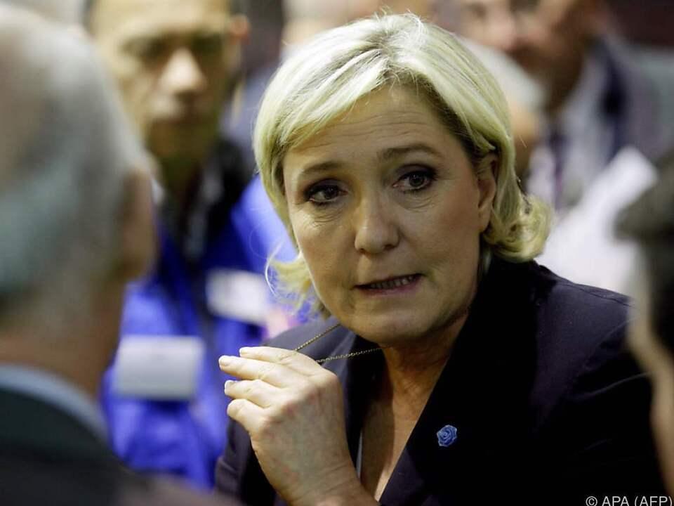 Gegen Le Pen kann nun ermittelt werden