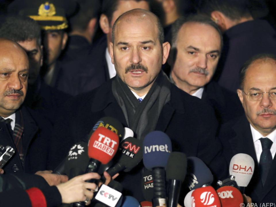 Innenminister Süleyman Söylu droht mit Ende des Flüchtlingspakts
