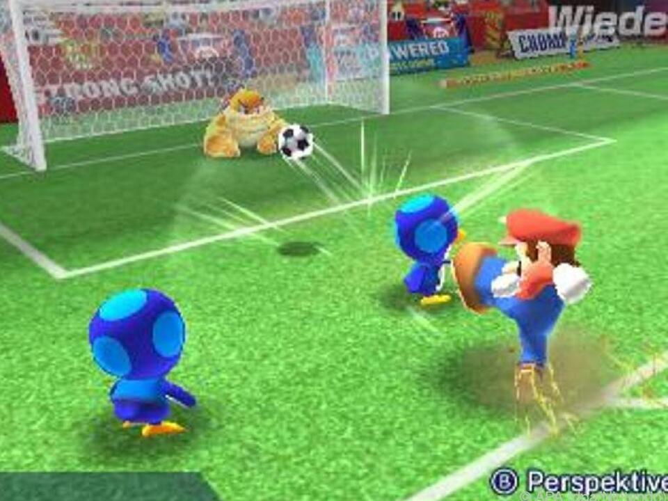 Klempner Mario zeigt nicht nur seine Fußball-Fähigkeiten