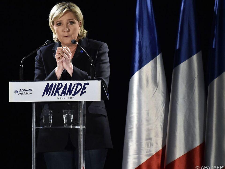Le Pen hat eine Anhörung verweigert