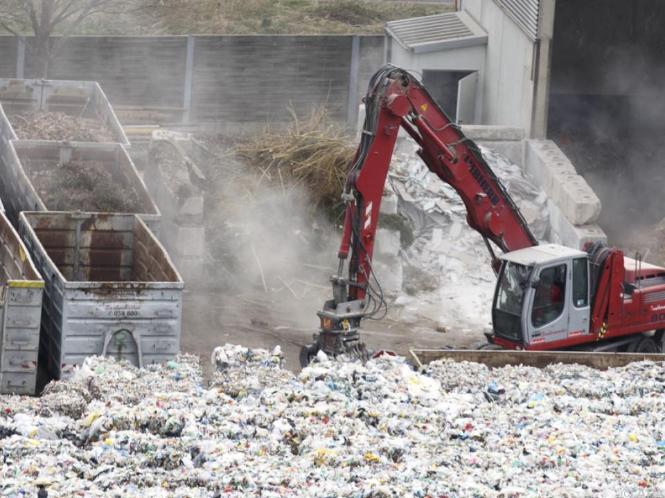 Leichenfund in einem Müllentsorgungsbetrieb
