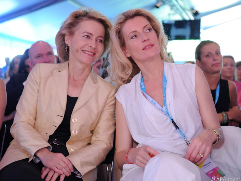 Ministerin und Schauspielerin verstehen sich gut