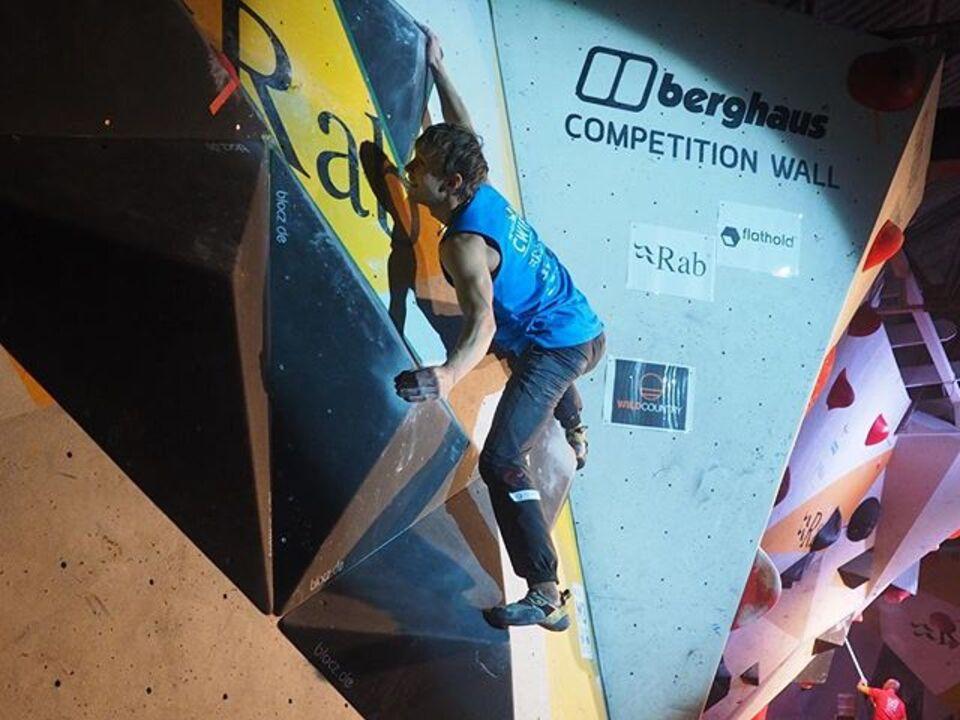 Michael Piccolruaz (AVS Meran) Boulder Finale Sheffield