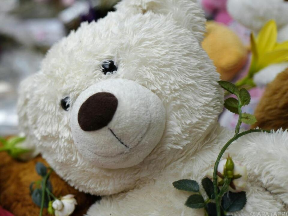 Nur der Teddy durfte mit