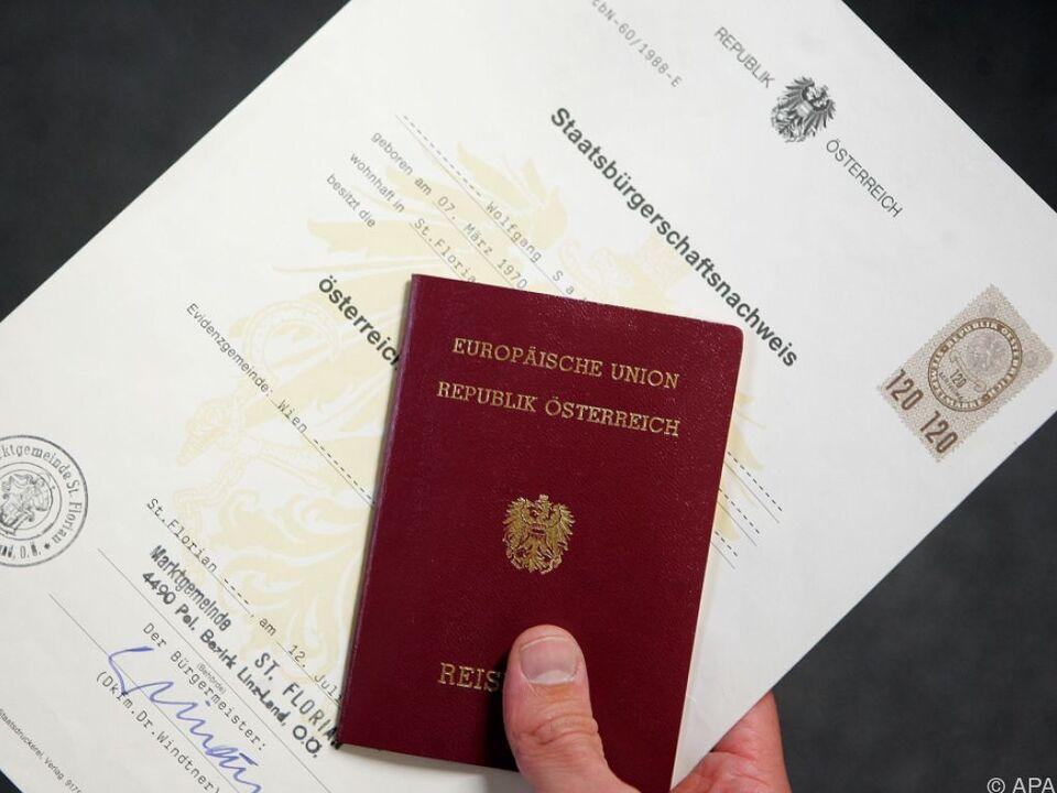 Nur in Ausnahmefällen sind Doppelstaatsbürgerschaften erlaubt freiheit doppelte staatsbürgerschaft österreich pass
