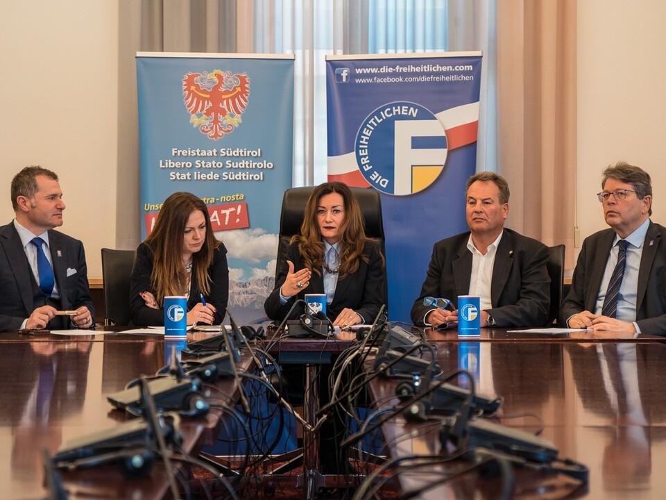 freiheitliche fh Pressekonferenz - Sozialleistungen - 07.03.2017