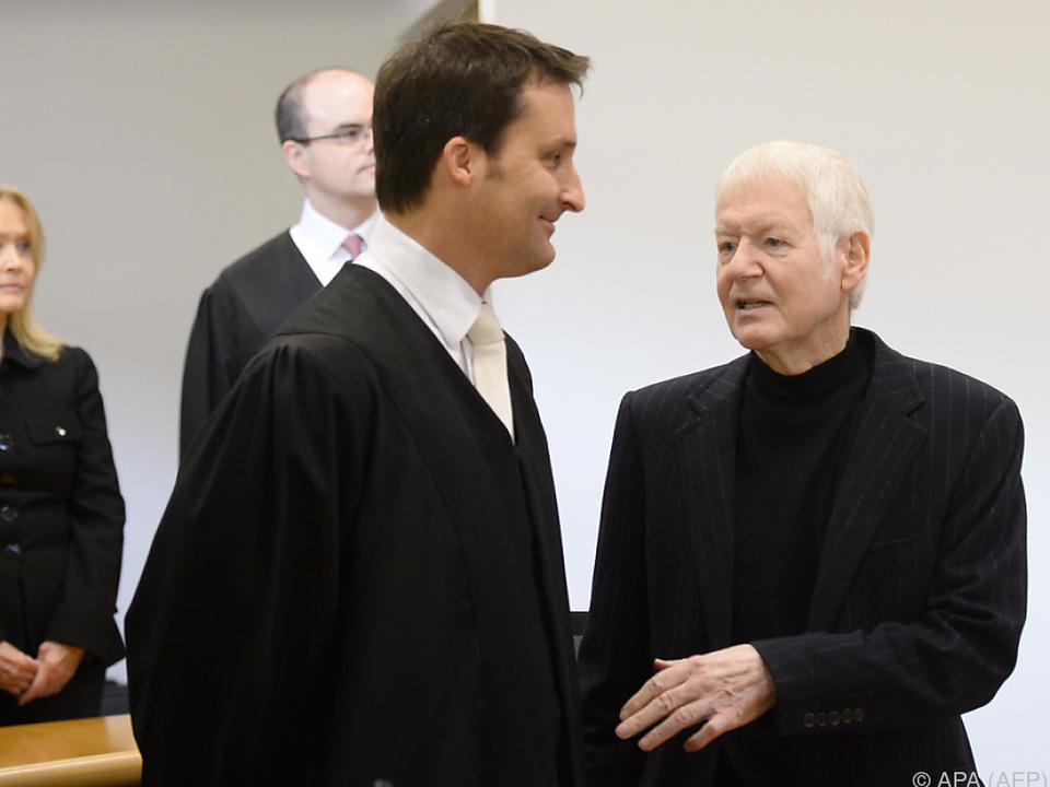 Schlecker und seine Frau Christa auf der Anklagebank