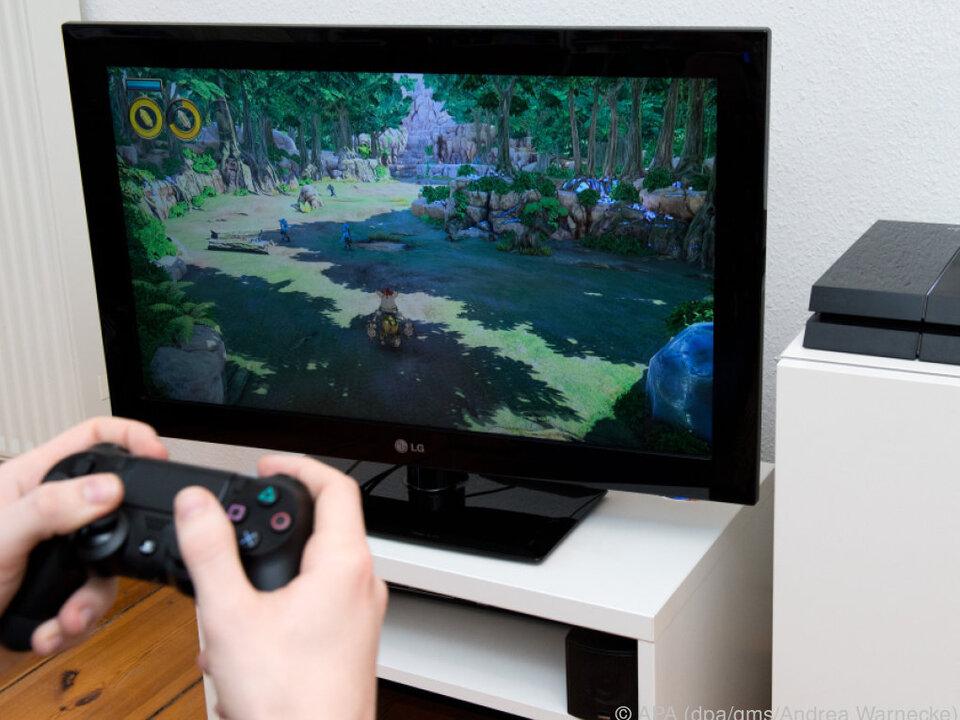 Sony beseitigt Fehler und wertet die Playstation 4 auf