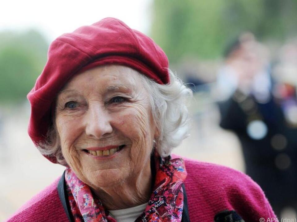 Vera Lynn - Liebling der Briten während des Zweiten Weltkriegs