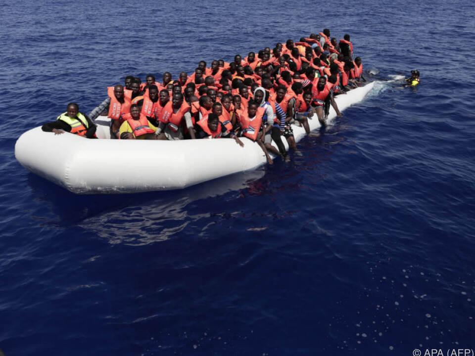 Zahlreiche Menschen sterben bei den gefährlichen Überfahrten