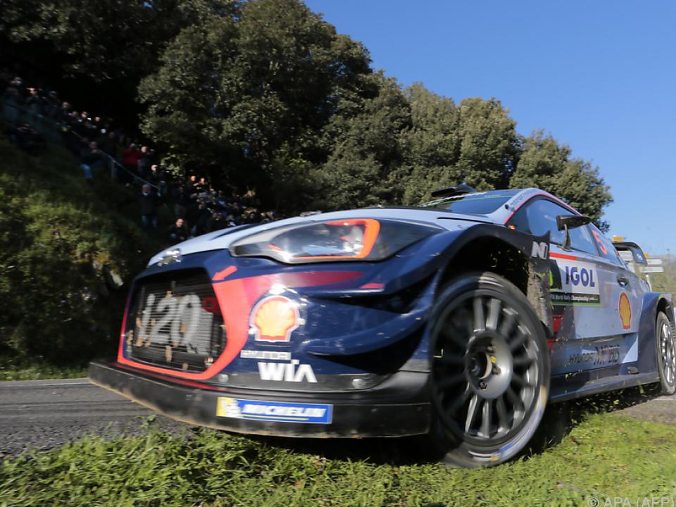 Belgier fuhr am Samstag im Hyundai vom dritten auf den ersten Rang