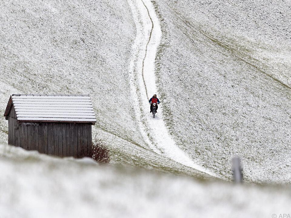 Bis Donnerstagabend wird es in vielen Regionen schneien schnee wintereinbruch